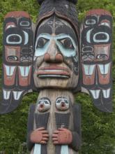 Тотемы - наглядное выражение индейской культуры.